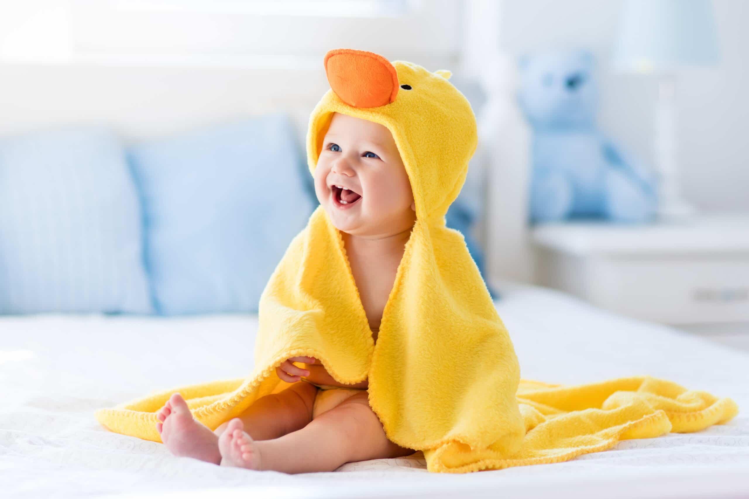 como bañar bebe recien nacido