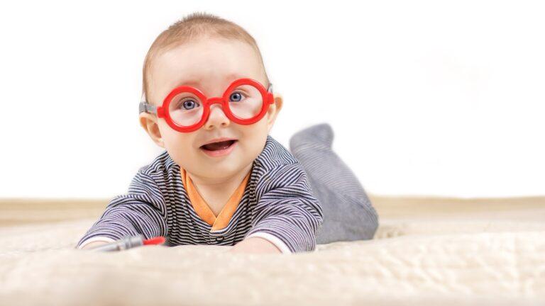 bebé en desarrollo visual